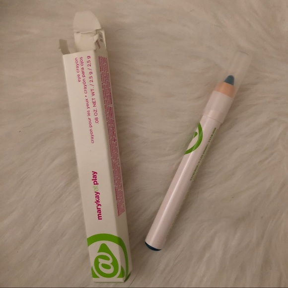 Mary Kay Other - FREE WITH A BUNDLE Blue eye crayon